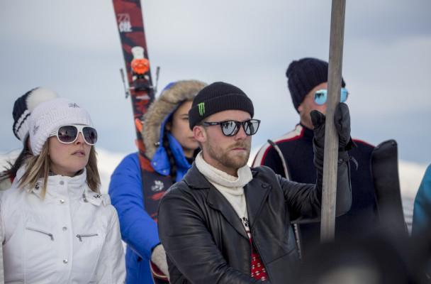 Air NZ Snow Fight  Jossi