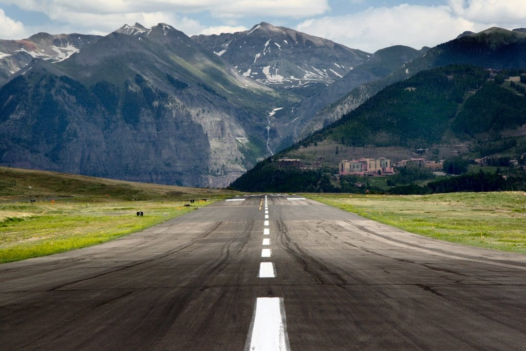 alpine heli ski with More Flights To Telluride Than Ever Before on Heli Skiing furthermore 2010 Alpine U S Ski Team Named Highlighted By Lindsey Vonn also 793 in addition More Flights To Telluride Than Ever Before additionally An Ode To Ski Instructors.