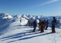 Skiers-at-summit-1024x576